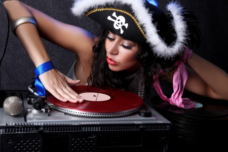 pirate girl: cool DJ in action