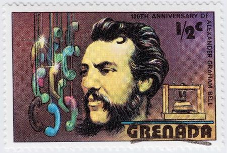 creador: GRANADA - CIRCA 1997: sello impreso en Granada muestra Alexander Graham Bell cient�fico, inventor, ingeniero, innovador y creador del tel�fono, circa 1997 Editorial