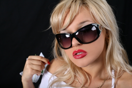 sensuous: woman in sunglasses