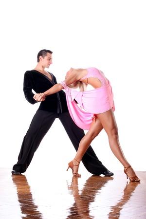 Bailarines de salón de baile contra el fondo blanco Foto de archivo - 15979291