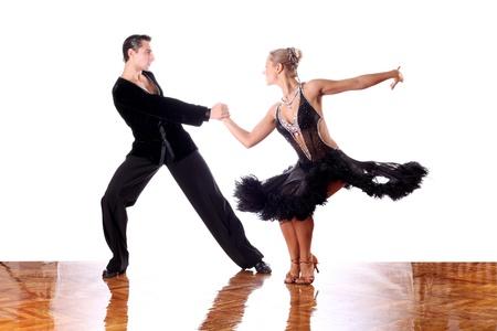 Tänzer im Ballsaal vor weißem Hintergrund Standard-Bild