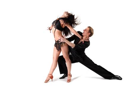 baile latino: bailarina en la acci?n aislada en blanco