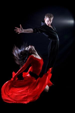 tango: dancers in action
