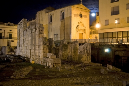 classical old Italy, night in Siracuse, Sicily Stock Photo - 15969904