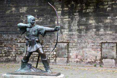 robin hood: Statue Of Robin Hood at Nottingham Castle, Nottingham, UK