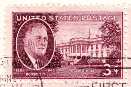 USA - CIRCA 1945 : Stamp  in USA shows Franklin Delano Roosevelt 32nd President of the United States and White House, circa 1945 Stock Photo - 16425161