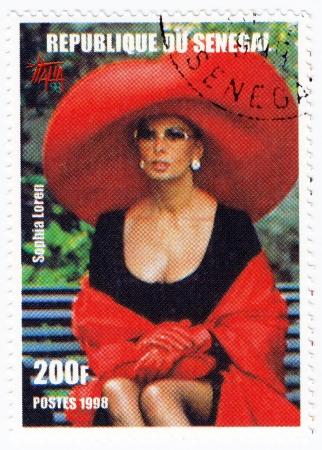 sophia: SENEGAL - CIRCA 1998 : Stamp printed in Senegal with popular Italian actress Sophia Loren, circa 1998 Editorial