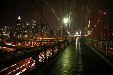 night view Manhattan and Brooklyn bridge Stock Photo - 16643321