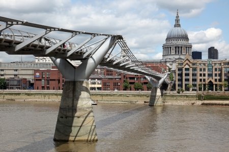 millennium bridge: St. Pauls Cathedral and Millennium Bridge in London