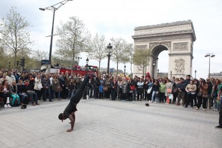 aerobica: B-boy doing some breakdance