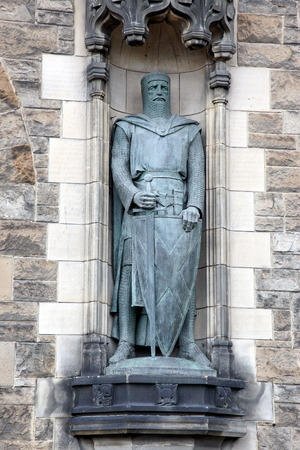 wallace: Statue of  William Wallace at Edinburgh Castle
