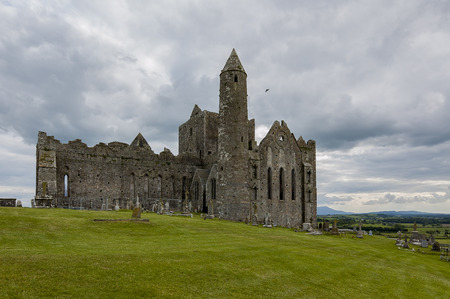 castle rock: Castle Rock of Cashel in Ireland