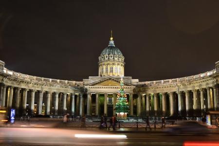 sobor: St.Petersburg, Russia - January 4, 2012: Kazanskiy Kafedralniy Sobor in St. Petersburg by night