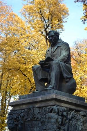 satirist: Krylov monument in Summer Garden, St.Petersburg, Russia.