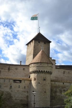 montreux: Chillon Castle near Montreux, Switzerland