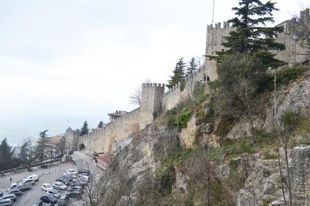 sammarinese: Fortress on a cliff in San Marino.
