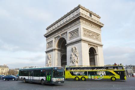 triumphe: PARIS, FRANCE - JANUARY 7, 2013: Arc de Triomphe in Paris. Editorial