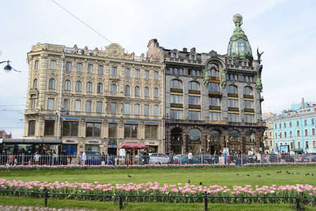 nevsky prospect: ST.PETERSBURG, RUSSIA - 24 MAY, 2012: Zinger House on Nevsky Prospect in the historic center of St. Petersburg. Editorial