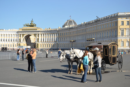 cartage: ST.PETERSBURG, RUSSIA - 25 MAY, 2012: Palace Square in center of St.Petersburg at summer day. Editorial