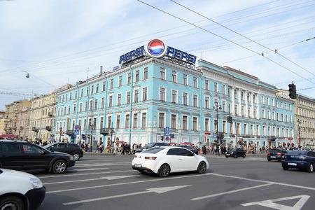 prospect: SAINT-P�TERSBOURG, RUSSIE - 24 mai 2012: Nevsky Prospect - la rue principale de Saint-P�tersbourg. Editeur