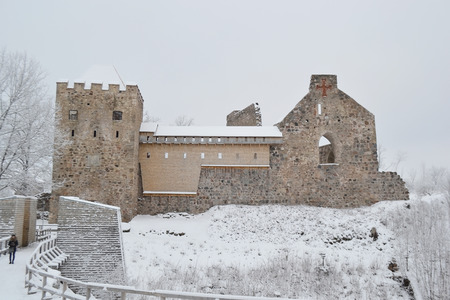sigulda: Antiguo castillo en Sigulda, Letonia.