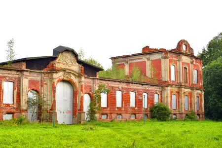 portico: Ruin palace in the estate Znamenka near St.Petersburg, Russia.