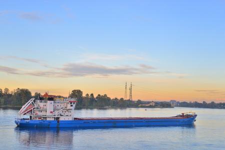 leningrad: ST.PETERSBURG, RUSSIA - 3 SEPTEMBER 2016: Neva river on the outskirts of St. Petersburg at sunset. Editorial