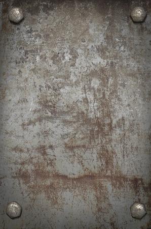 oxidado: Fondo del grunge placa de metal con tornillos Foto de archivo