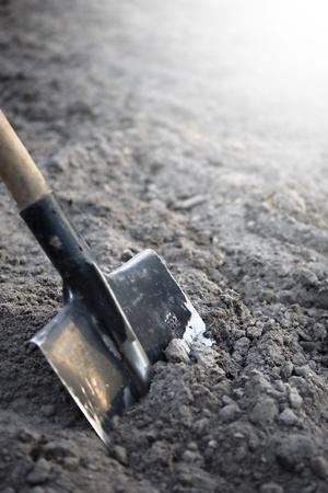 pelle pour creuser à la ferme