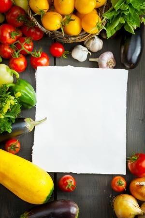 fondo de alimentos org�nicos; Mercado de verduras photo