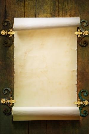 美術をスクロールして古い用紙の背景