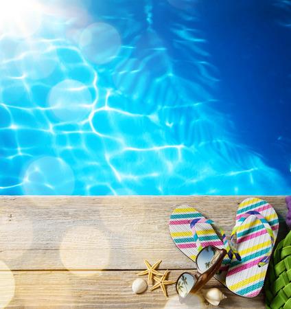 sol radiante: ar la playa del verano; accesorios de playa Foto de archivo