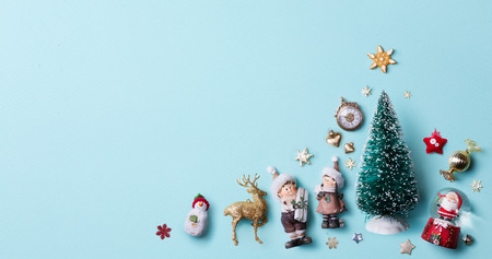Christmas holidays ornament flat lay; Christmas card background Reklamní fotografie - 89132139