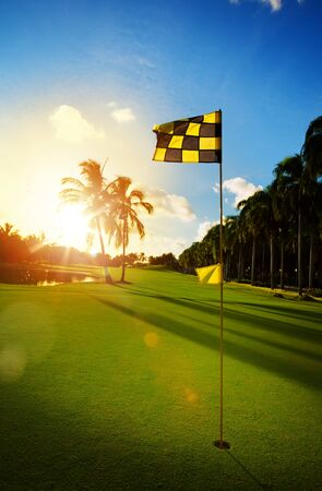 Golf course in the tropical countryside Imagens