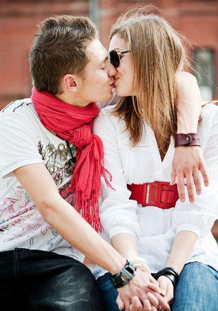 kiss lips: j�venes de moda joven en el amor unos a otros besos