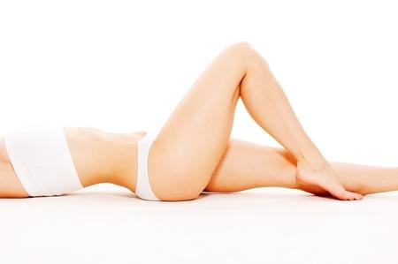 wit ondergoed: mooie vrouwelijke lichaam in wit ondergoed