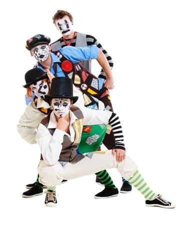 pantomima: Retrato de cuatro mimos sobre fondo blanco
