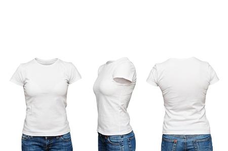 in shirt: maniqu� en la camiseta blanca en blanco aislado