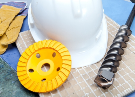 tine: The drill, grinding disk for operation on concrete, a helmet protective and gloves working