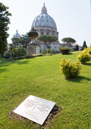 The Vatican meridian and Saint Peter's Basilica in Vatican gardens - Primo meridiano