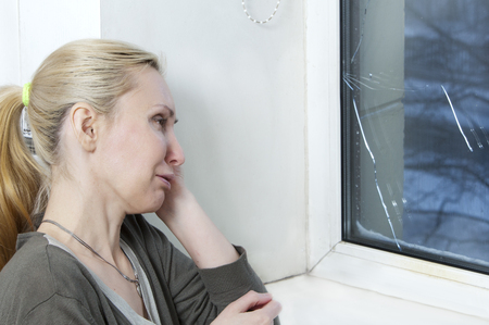 snow break: The housewife cries, bad quality window has burst because of cold weather