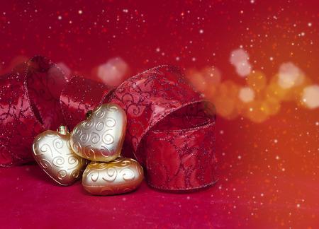 Weihnachtsdekorationkugel In Form Ein Herz Mit Band Und Einer Kerze