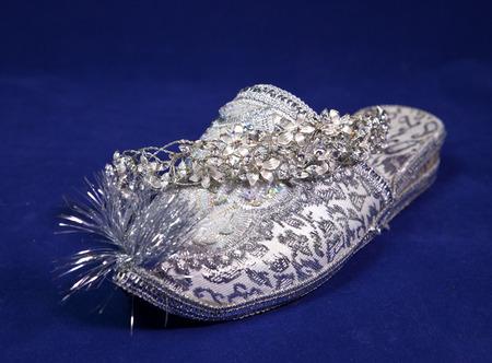 blue velvet: east style bride wedding shoes on a blue velvet and wedding diadem