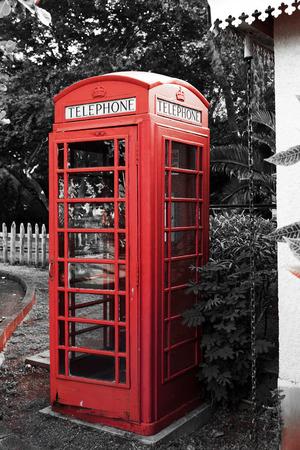 cabina telefonica: la antigua cabina de tel�fono rojo tradicional, callbox. Mauricio