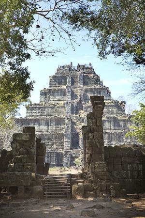 Koh Ker temple complex, death pyramid Prasat Prang, Cambodia