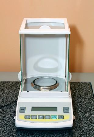 escalas electr�nicas para un laboratorio Foto de archivo