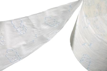 utiles de aseo personal: Un rollo de papel higi�nico aisladas sobre fondo blanco