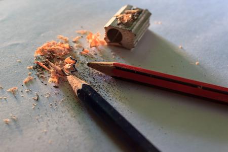 sacapuntas: Lápices y sacapuntas en papel