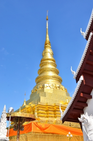 bouddhisme: pagode bouddhiste