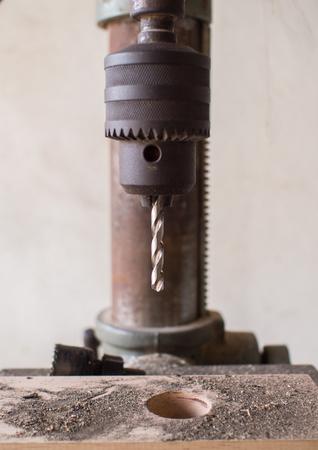 drilling machine: Vertical drilling machine